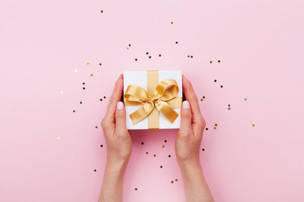 3 Reasons A Massage Gift Certificate Makes the Best Holiday Gift